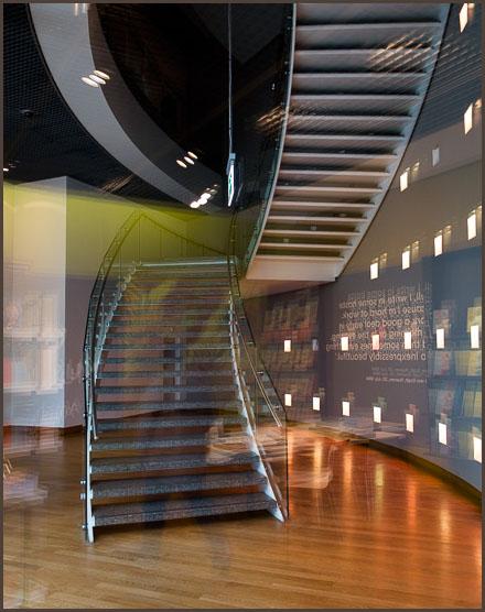 Stairman-4919